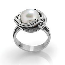 Sirena Pearl Ring